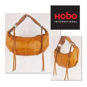 🎁🎄HOBO International Tan Hobo Shoulder Bag